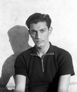 Satyajit Ray à l'âge de 22 ans (Shantiniketan).