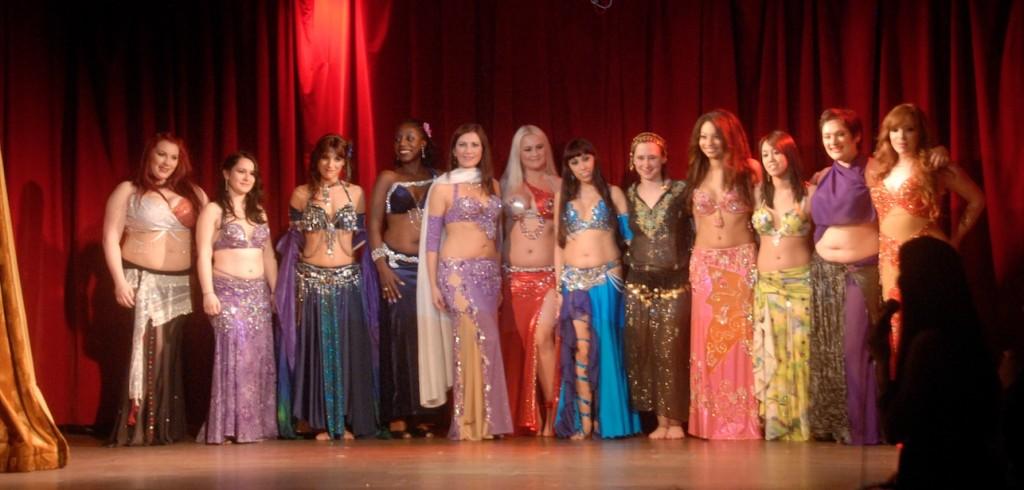 Les douze danseuses qui ont participé au concours.