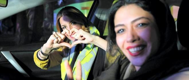Deux Iraniennes en voiture