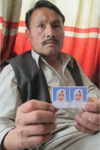 Ramzan Ali a perdu Shukria, sa fille de 9 ans, kidnappée et décapitée par les talibans.