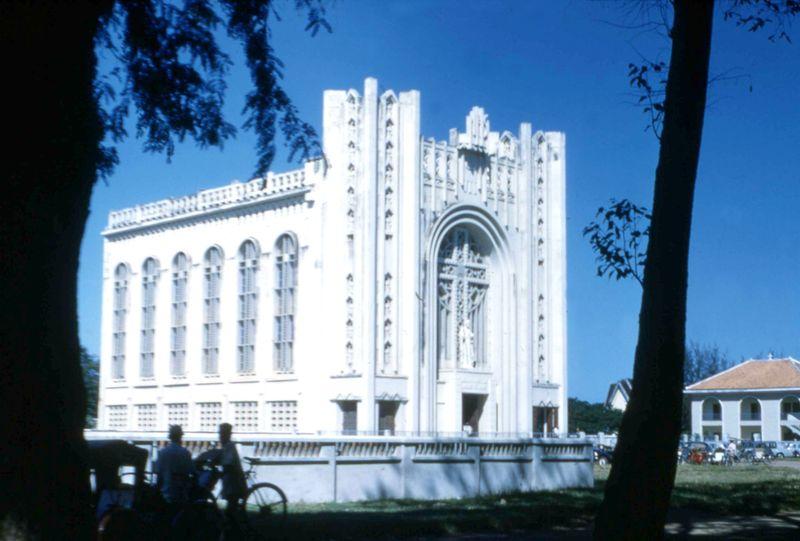 La cathédrale de Phnom Penh en 1961.