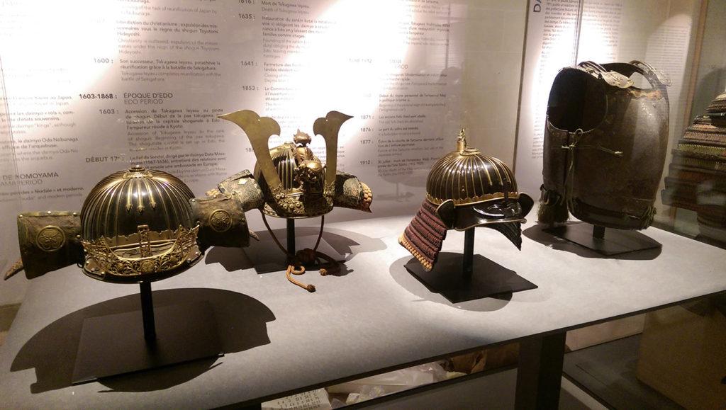 Casques à l'exposition Daimyo à l'hôtel d'Heidelbach.